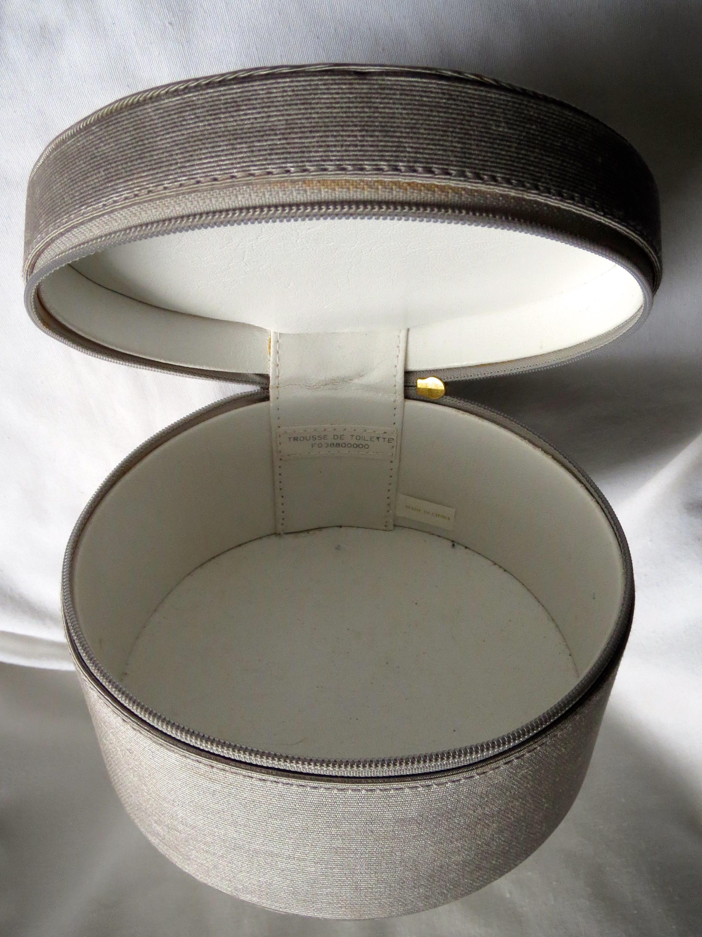 vintage toilet make up bag trousse de toilette vees cave. Black Bedroom Furniture Sets. Home Design Ideas